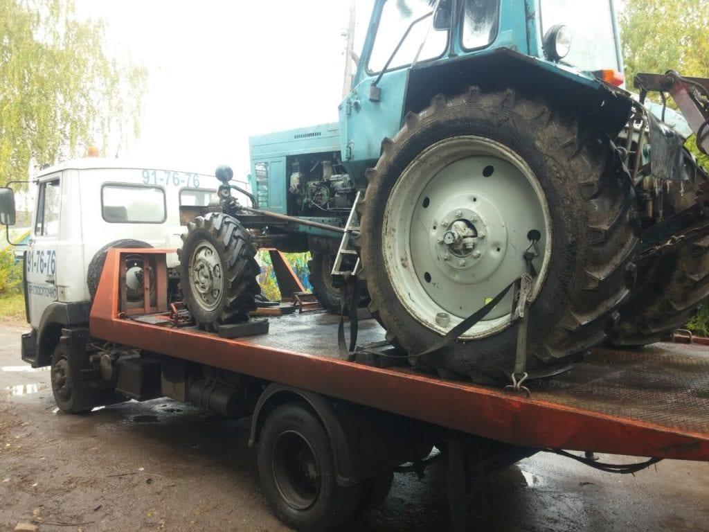 Эвакуатор с трактором