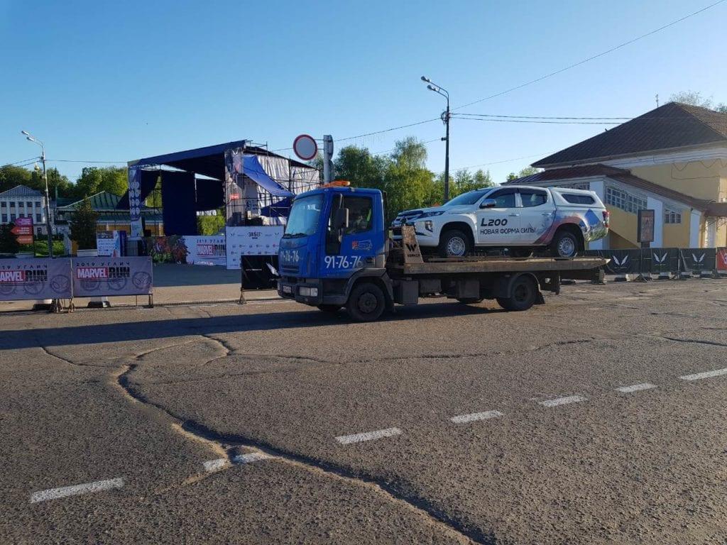 mitsubishi l200 на эвакуаторе Iveco в Угличе