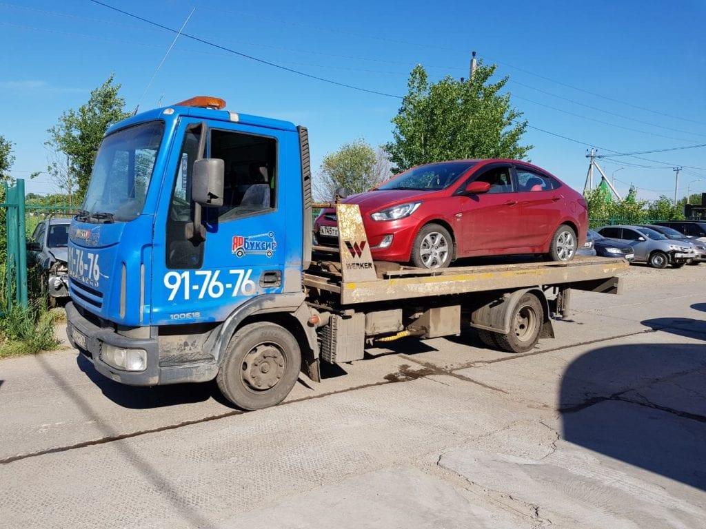Эвакуатор с автомашиной Hyundai Solaris